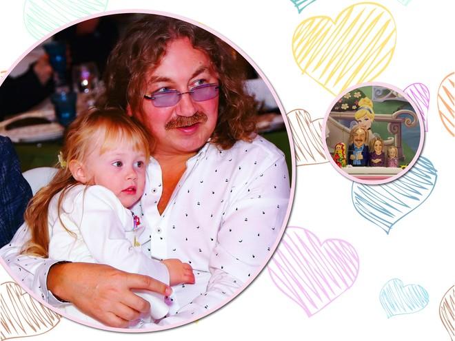 У трехлетней дочки Игоря Николаева есть необычные матрешки