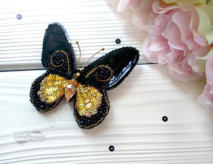Брошь бабочка Черно-золотая с кристаллами Сваровски