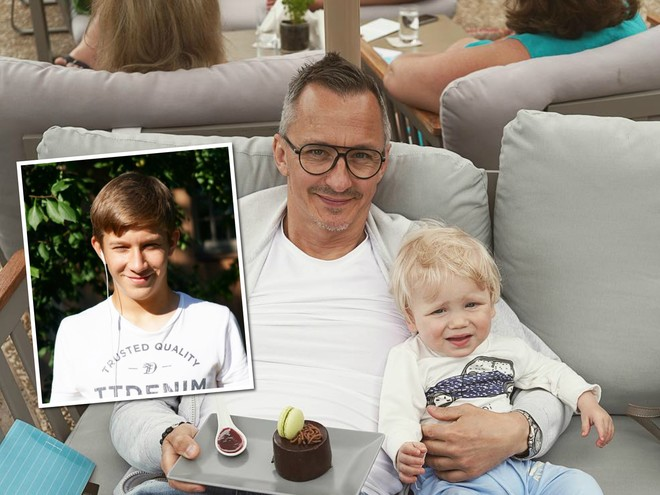 Старший и младший: Степан Михалков порадовал поклонников фото с обоими сыновьями
