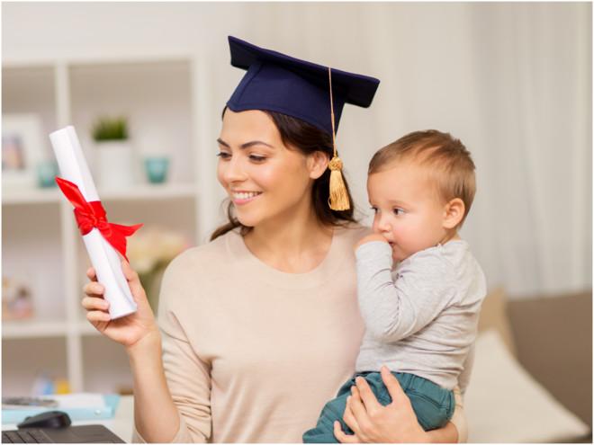 Бизнес-идеи для мам в декрете: каким бизнесом заняться маме в декрете || Минтруд выступает за повышение пособий женщинам работающим в декрете