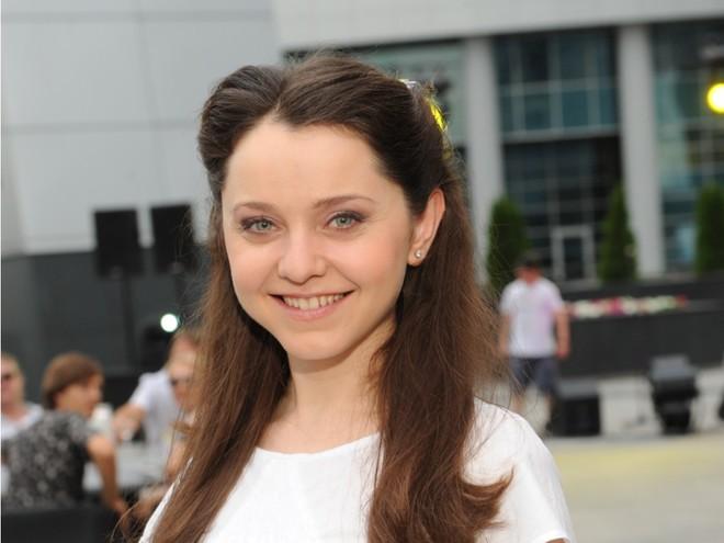 Актриса сериала «САШАТАНЯ» посвятила прыжок в воду сборной по синхронному плаванию