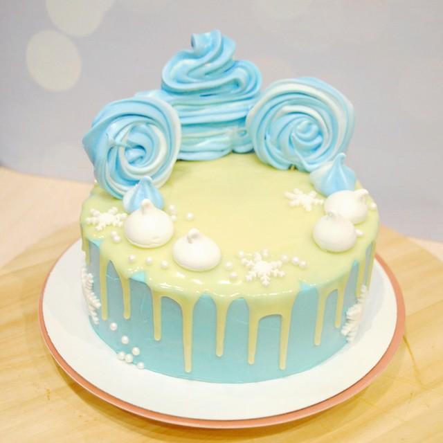 И снова тортик)