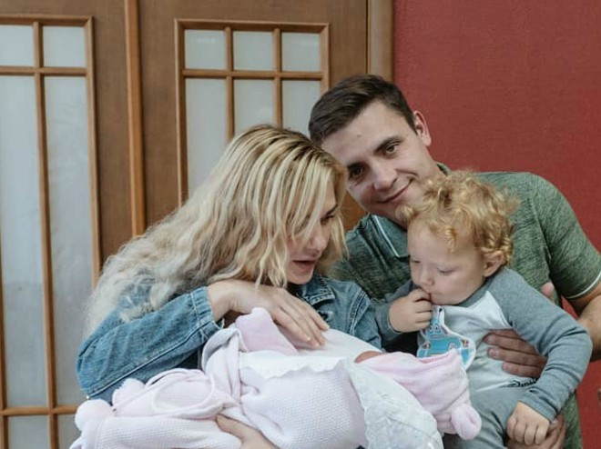 Совет дня: сделайте выписку из роддома более комфортной для старшего ребенка