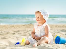 Солнцезащитные средства для детей: как выбрать?