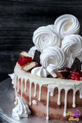 Немного меня, дочек и моих тортиков, которые от души)