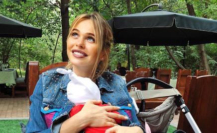 Анна Хилькевич сделала 1,5-месячной дочке две прививки