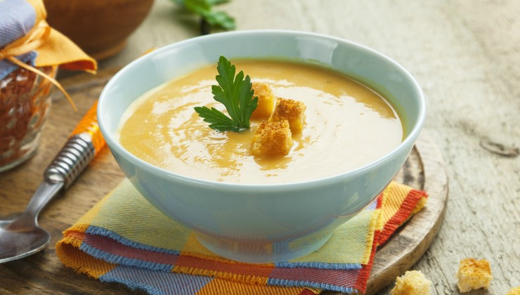 Суп-пюре из красной чечевицы по-турецки