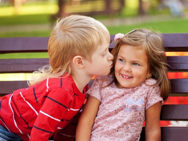 Совет дня: поддерживайте ребенка, если к нему пришла первая детская любовь