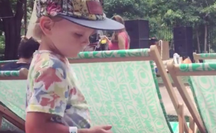 Видео: сын Веры Полозковой танцует под фанк