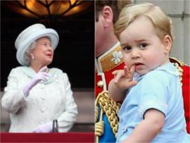 Тонкости этикета: принца Джорджа учат кланяться королеве