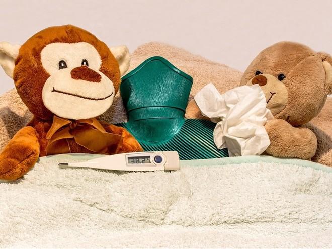 Почему у новорожденных повышается температура
