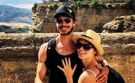 Звездные родители Лиза Боярская и Максим Матвеев проводят отпуск в Испании