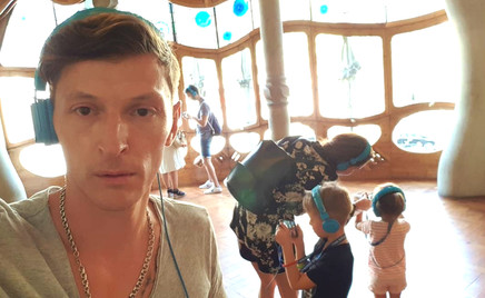 Незабываемые впечатления: Павел Воля с детьми на отдыхе в Испании