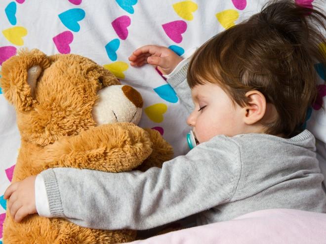 7 эффективных способов уложить ребенка спать