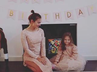 Две принцессы: звезда сериала «Великолепный век» отметила первый юбилей дочки