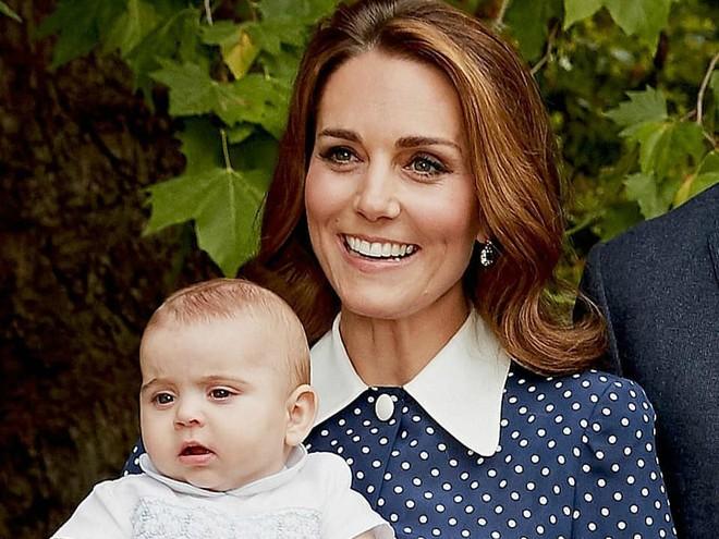 Мамин сын: принц Луи все больше становится похож на Кейт Миддлтон