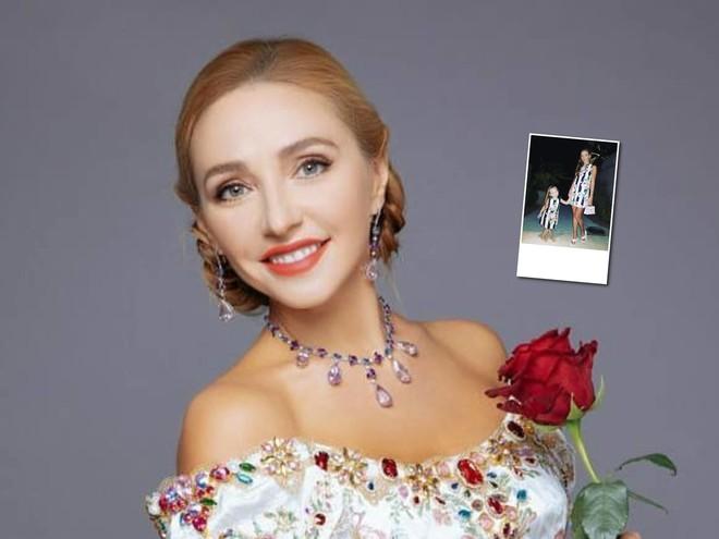 Мамина или папина: Татьяна Навка с дочерью нарядились в стиле family look