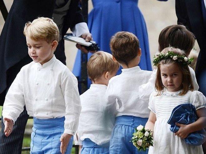 Принц Джордж и принцесса Шарлотта на свадьбе Софи Картер