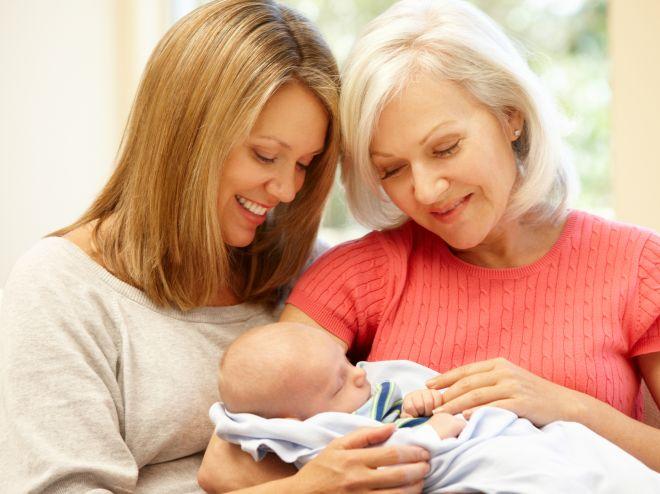 Монолог мамы: «Я плачу зарплату своей маме, чтобы она была няней своему внуку»